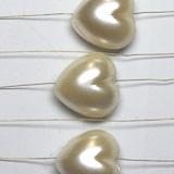 Nadeln, Girlanden und Mehr mit Herz