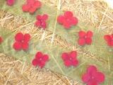 Organza Band mit Blüten 2,50 m x 5 cm Grün / Rot
